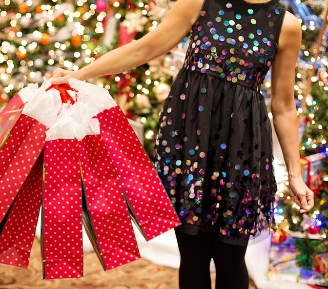 Minimaliste, comment fêter Noël avec des accros à la consommation ?